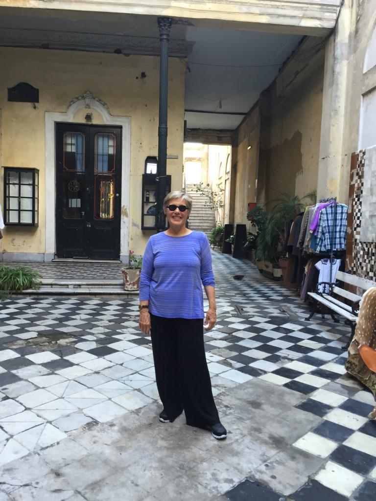 VIP TOURS BA - EXPERIENCES IN BUENOS AIRES - SAN TELMO - EZEIZA HAUSE